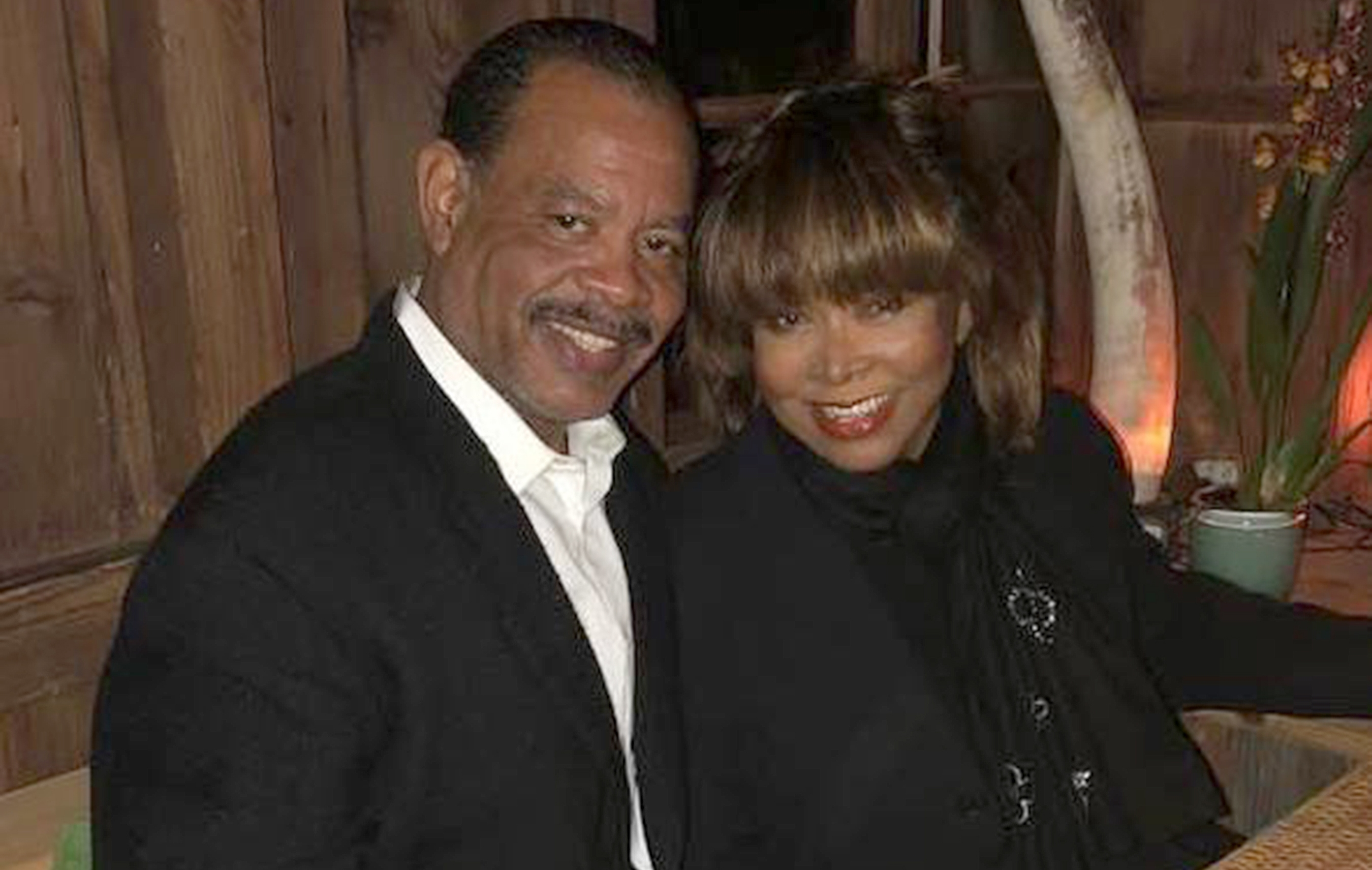 Tina Turner loses first son in apparent suicide