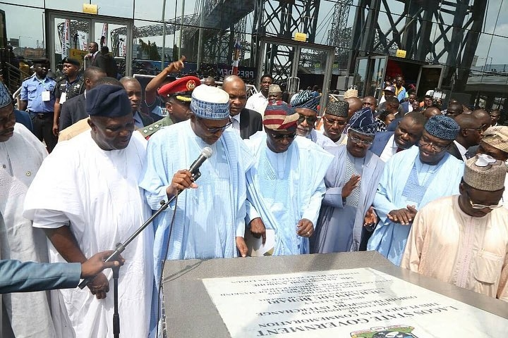 Buhari commissions five projects in Lagos (Pictures)
