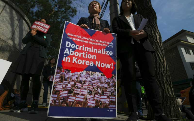 South Korea set to lift ban on abortion in 2021