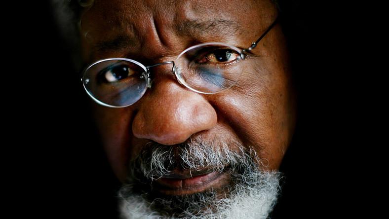 Buhari can't solve our problems, he has failed – Soyinka