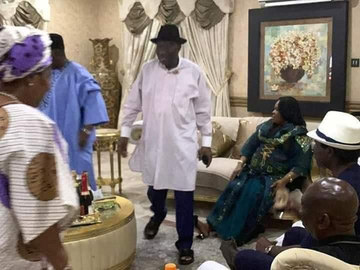Photos: Jonathan, wife, host APC chieftains following PDP's loss in Bayelsa