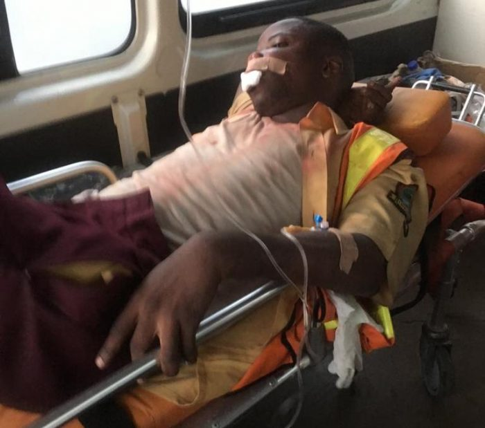 Graphic: LASTMA officer stoned to death in Lagos