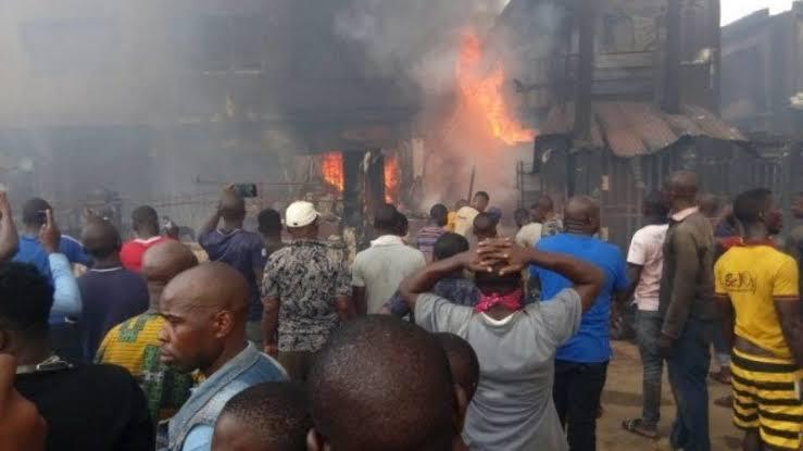 Fire guts Owode-Onirin market, destroys 15 shops