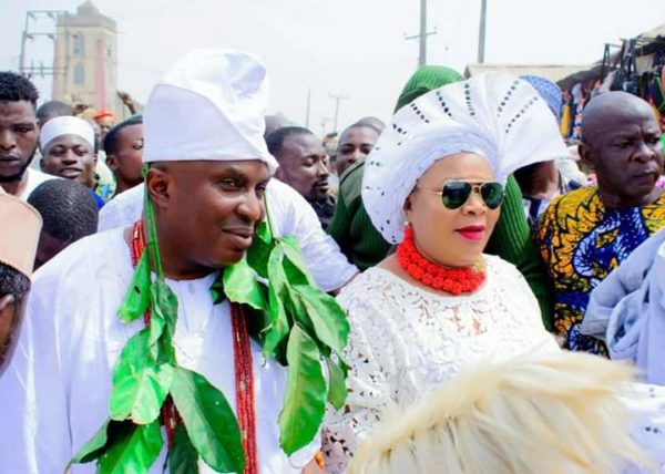 Journalist, Janet Mba-Afolabi becomes Olori as her husband is crowned King in Osun