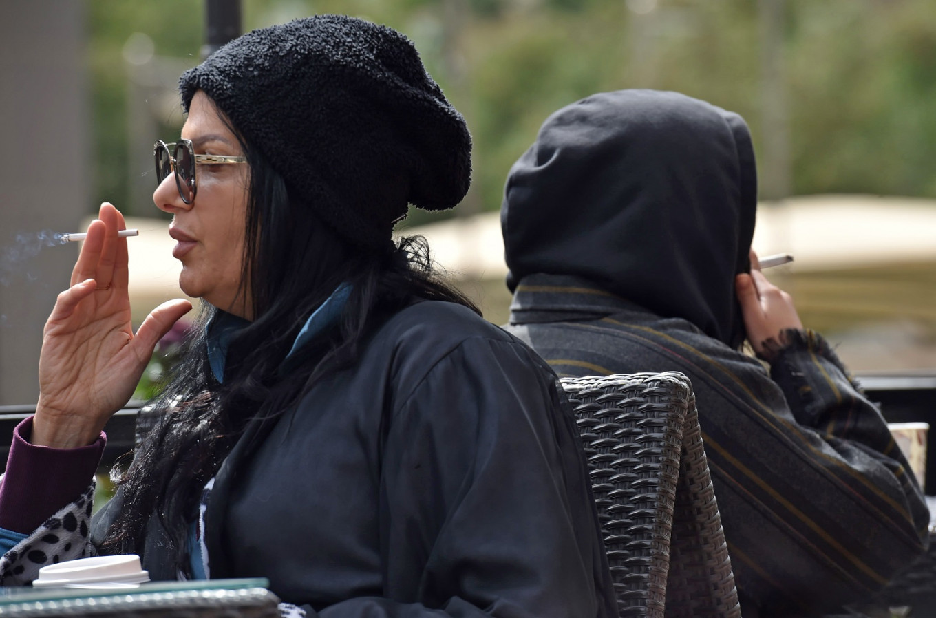 Saudi women now openly smoke to complete their freedom