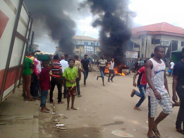 Nigerians set businessman's house ablaze over killing in South Africa