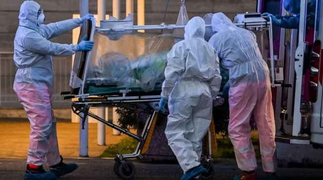 Spain records 832 coronavirus deaths in one day