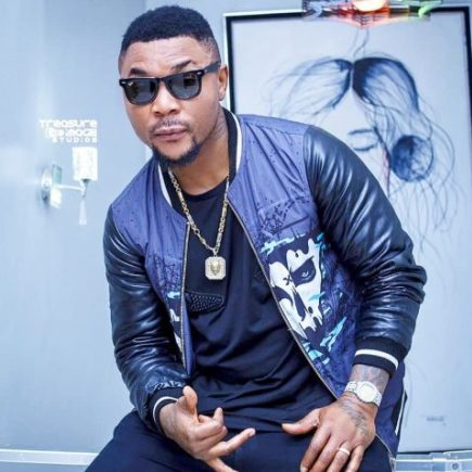 Oritsefemi shows support for police brutality in new video