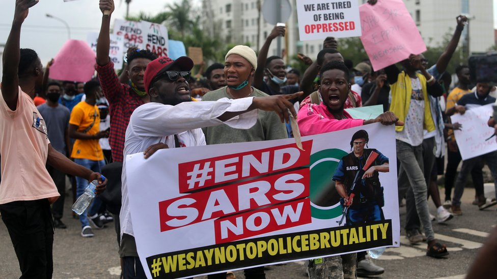 #EndSARS: Protesters defy ban, block Abuja airport road