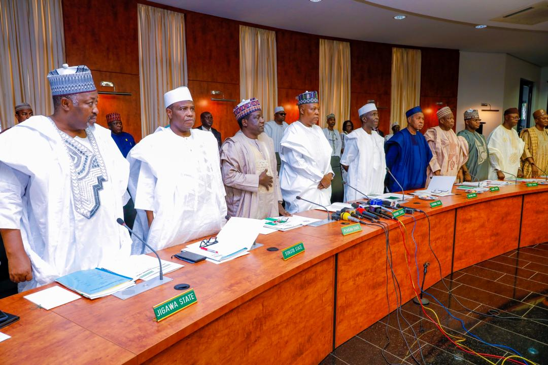 Governors to take COVID-19 vaccine on live TV