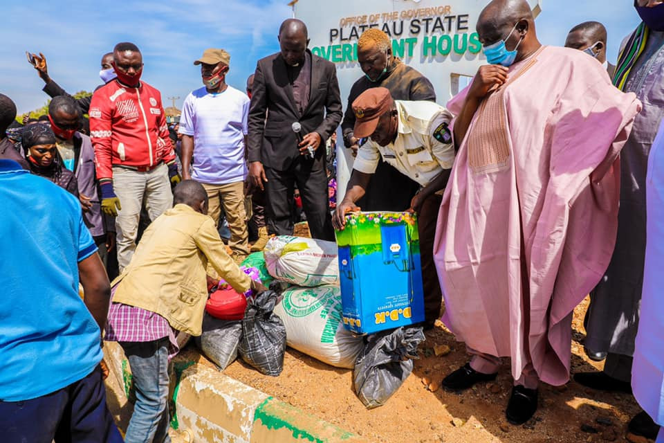 Plateau looters return stolen items after church revival, ask govt for forgiveness