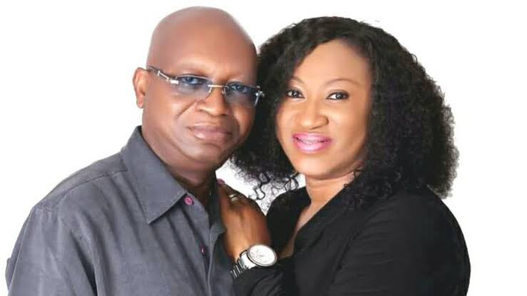US based Nigerian woman clashes with estranged husband's side chick over property in DPO's office
