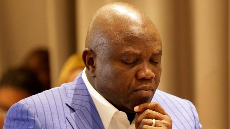 EFCC seals Akinwunmi Ambode's house in Lagos (Video)