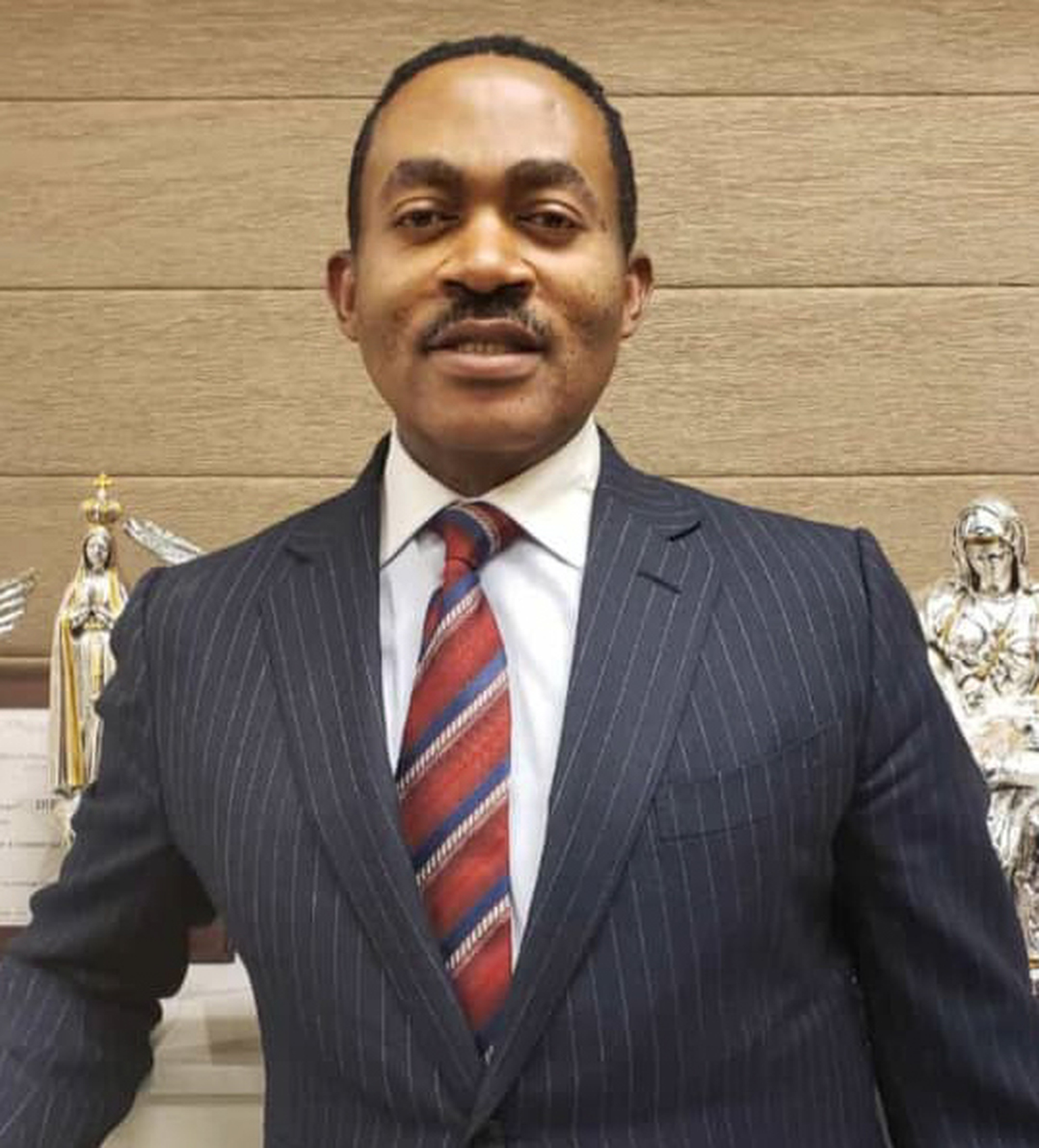 Nigerians knock US based doctor for promising to build 21 universities if elected Anambra governor
