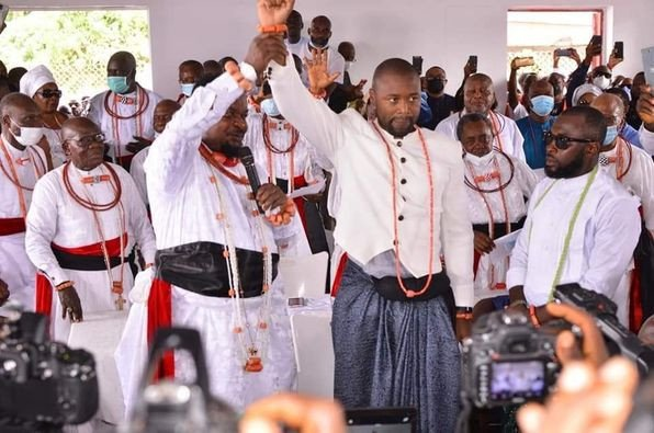 Businessman, Hosa Okunbor's inlaw, Utieyinoritsetsola Emiko is new Olu of Warri